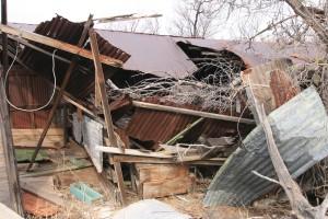 Zerstörtes unheimliches Farmhaus