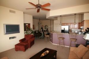 Das 'kleine' Wohn-/Esszimmer mit Küche